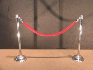 Hollywood Stanchion Chrome wRed Velvet Rope