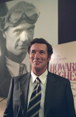 KEN REGAN / MIRAMAX FILMS - HOWARD BE THY NAME Author Clifford Irving (Richard Gere) pens a bogus book about Howard Hughes in The Hoax