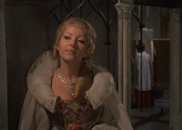 Ingrid Pitt in Countess Dracula (Photo: Synapse Films & DVDBeaver)