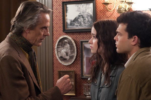 Jeremy Irons, Alice Englert and Alden Ehrenreich in Beautiful Creatures (Photo: Warner)