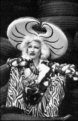 RAFY/FINE LINE - John Cameron Mitchell in Hedwig and the Angry - Inch