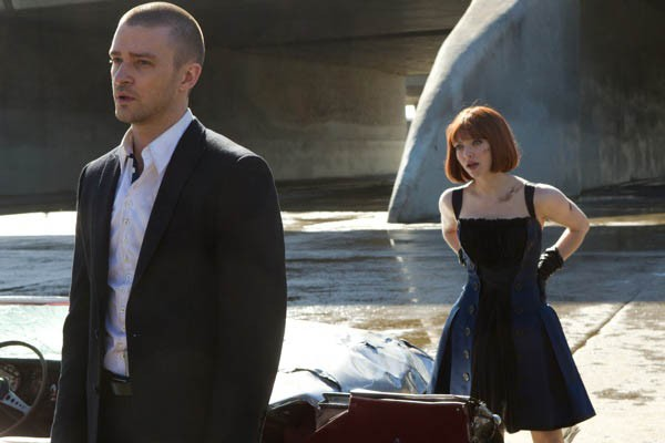 Justin Timberlake and Amanda Seyfried in In Time (Photo: Fox)