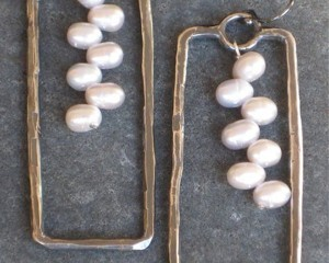 pearls-in-silver-rectangles-300x240.jpg