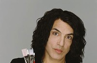 KISSing canvases with Paul Stanley