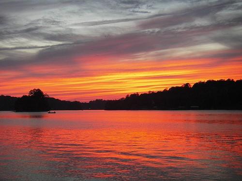 Lake_Norman_at_Sunset.jpg