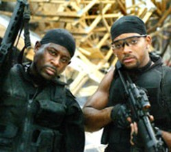 ROBERT ZUCKERMAN/COLUMBIA - LETHAL WEAPONS Martin Lawrence and Will Smith - prepare for combat in Bad Boys II