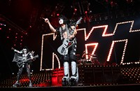 Live review: Kiss, Verizon Wireless Amphitheatre, 7/25/2012