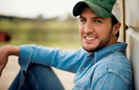 Luke Bryan at Verizon Wireless Amphitheatre tonight (7/12/2013)