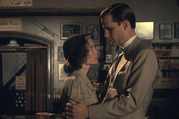 Mia Farrow and Jeff Daniels in The Purple Rose of Cairo (Photo: Twilight Time)
