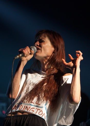 Moments of songwriting brilliance at Fiona Apple's Fillmore concert on Sept. 26, 2012, were overshadowed by the singer's frail appearance and scatterbrained commentaries.