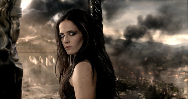 MVP? TRY OVP: Eva Green is the only valuable player in 300: Rise of an Empire. (Photo: Warner Bros.)