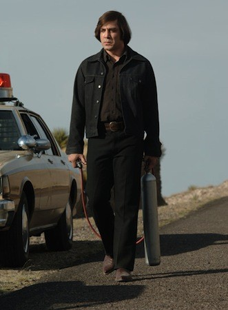 NO COUNTRY FOR OLD MEN: Javier Bardem - RICHARD FOREMAN / MIRAMAX FILMS