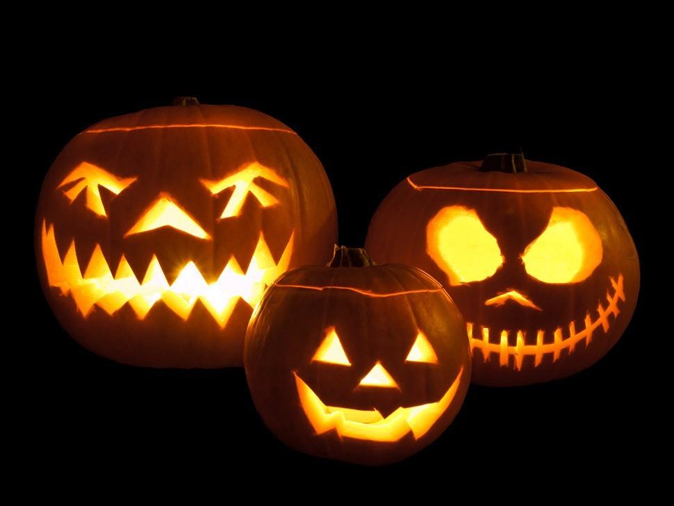 Jack-o_-lanterns.jpg