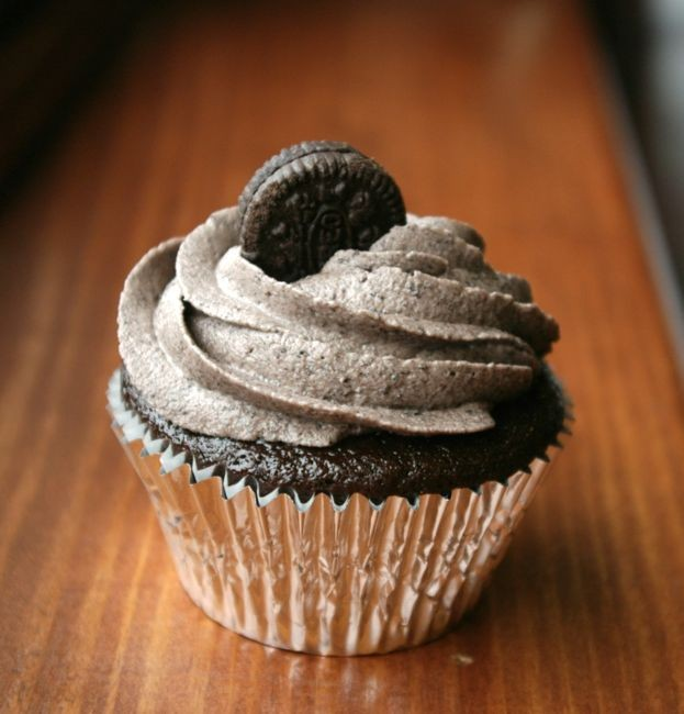 Mint Oreo cupcakes | Eat My Charlotte | Creative Loafing Charlotte