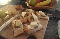 Recipe: Camembert-Pear Toast Points with Mint-Pistachio Pesto