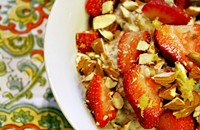 Recipe: Lemon & Strawberry Oatmeal