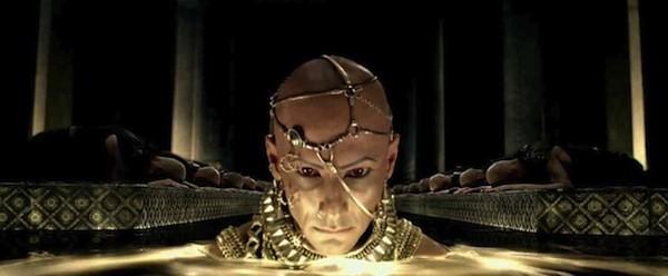 Rodrigo Santoro in 300: Rise of an Empire (Photo: Warner Bros.)