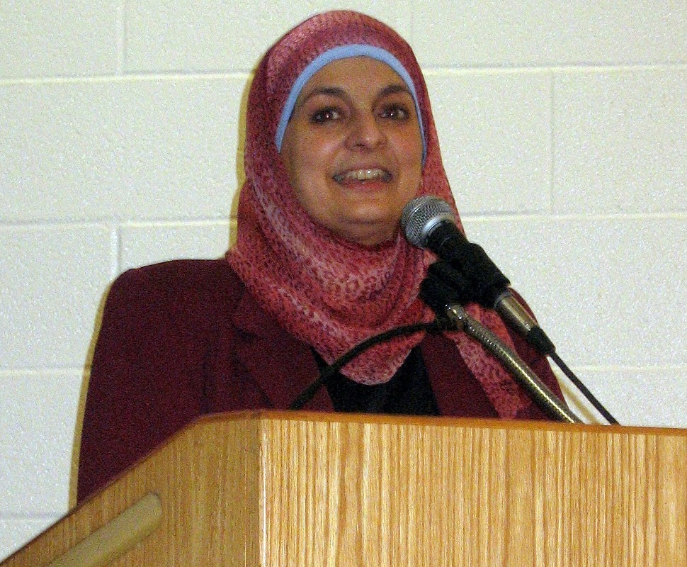 Rose Hamid, coordinator of Meet the Muslims, introduced the seven panelists.