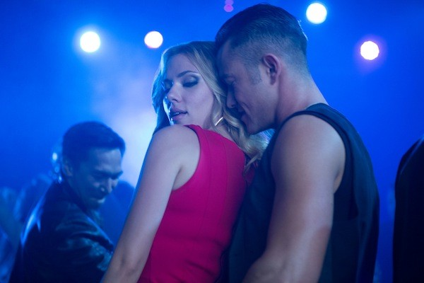 Scarlett Johansson and Joseph Gordon-Levitt in Don Jon. (Photo: Relativity Media)