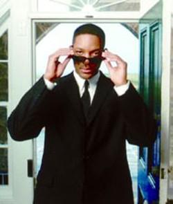 MELINDA SUE GORDON/COLUMBIA - SECRET AGENT MAN Will Smith in Men In Black - II