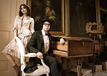 Sean Lennon teams with girlfriend for folk-infused new band