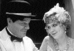 RICHARD FOREMAN/LIONS GATE - SILENCE IS GOLDEN Silent film stars - Charlie Chaplin (Eddie Izzard) and  Marion Davies - (Kirsten Dunst) share a quite moment in The Cat's - Meow