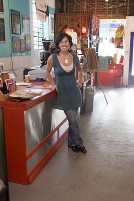Teresa Hernandez - ANGUS LAMOND