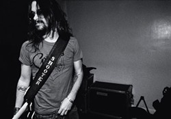JAMES MINCHIN III - Th' outlaw cain't he'p it: Shooter Jennings