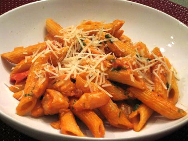The Pioneer Woman's Penne a la Betsy | Eat My Charlotte