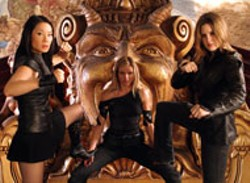 DARREN MICHAELS/COLUMBIA - TOMB RAIDERS Lucy Liu, Cameron Diaz and Drew - Barrymore get ready to rumble in Charlie's Angels: - Full Throttle