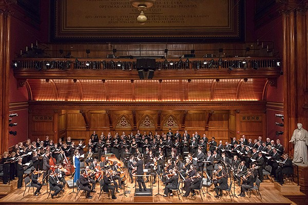 Jarrett conducts the Back Bay Chorale in Boston (Photo by Michael J. Lutch)