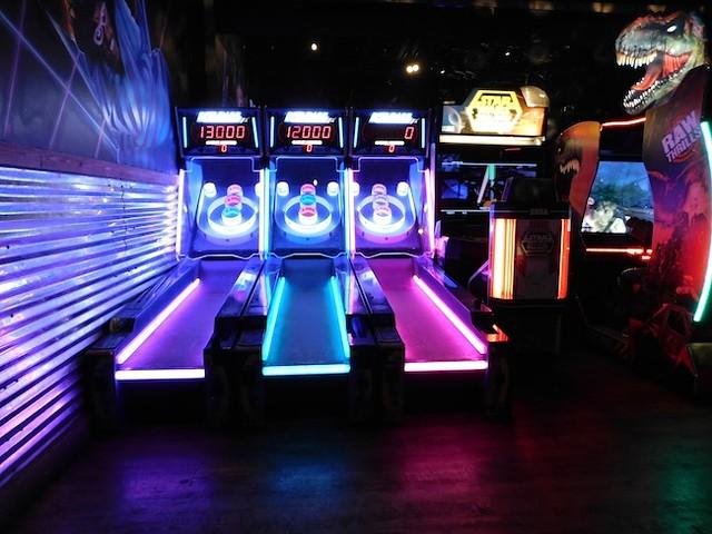 Skee-ball at Lucky's Bar & Arcade (All photos by Dana Vindigni)