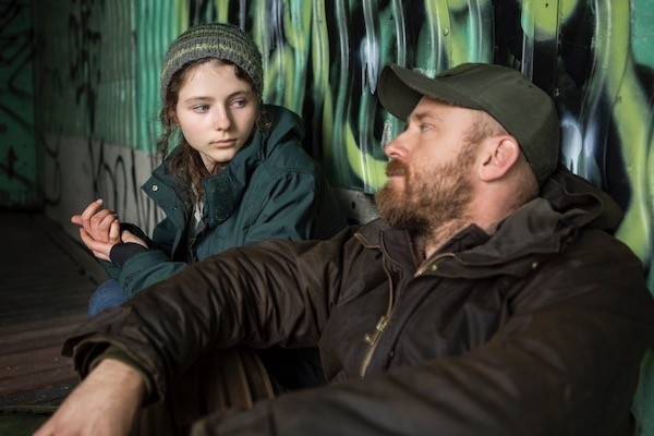 Thomasin Harcourt McKenzie and Ben Foster in Leave No Trace (Photo: Universal & Bleecker Street)
