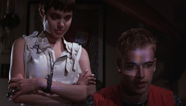 Angelina Jolie and Jonny Lee Miller in Hackers (Photo: Shout! Factory)