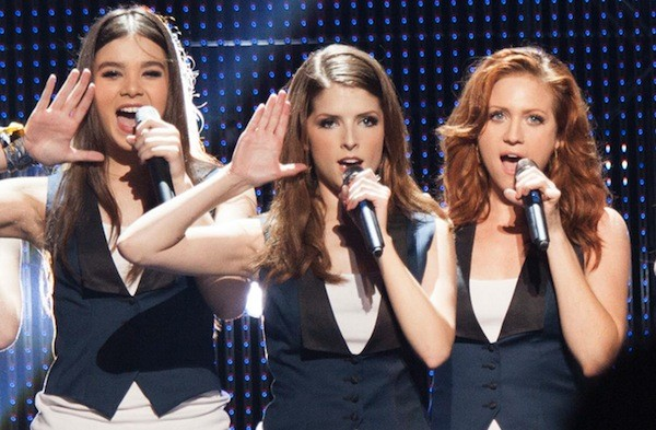 Hailee Steinfeld, Anna Kendrick and Brittany Snow in Pitch Perfect 2 (Photo: Universal)