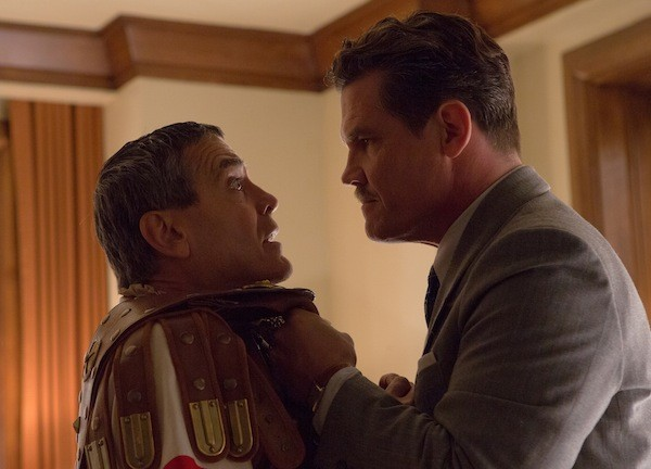 George Clooney and Josh Brolin in Hail, Caesar! (Photo: Universal)