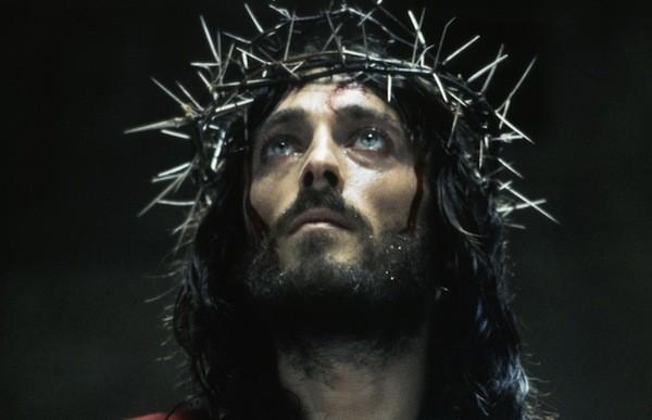 Robert Powell in Jesus of Nazareth (Photo: Shout! Factory & ITV)
