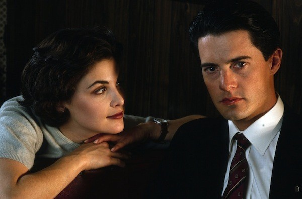Sherilyn Fenn and Kyle MacLachlan in Twin Peaks (Photo: Paramount & CBS)