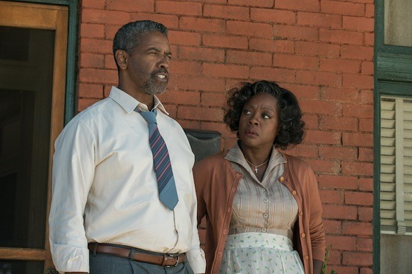 Denzel Washington and Viola Davis in Fences (Photo: Paramount)