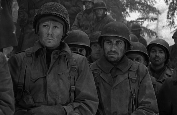 Van Johnson and John Hodiak in Battleground (Photo: Warner)