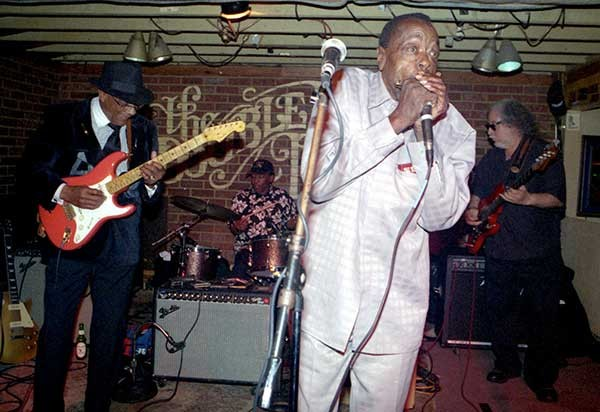 Hubert Sumlin (from left), Willie Smith, Cary Bell, and Bob Margolin blow out some mad blues. - DANIEL COSTON