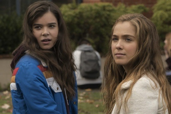 Hailee Steinfeld and Haley Lu Richardson in The Edge of Seventeen (Photo: STX & Universal)