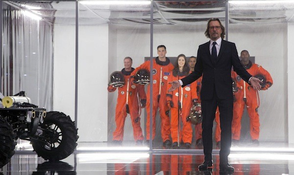 Gary Oldman in The Space Between Us (Photo: STX & Universal)