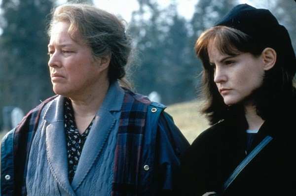 Kathy Bates and Jennifer Jason Leigh in Dolores Claiborne (Photo: Warner)