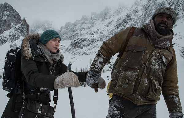 Kate Winslet and Idris Elba in The Mountain Between Us (Photo: Fox)