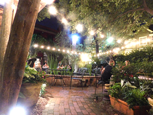 The Dilworth Tasting Room patio (Photo by Dana Vindigni)