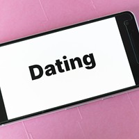 Lesbian Dating: 5 Chatting Mistakes