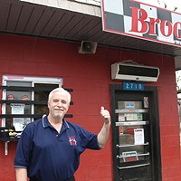 Light Rail Meets Brooks' Sandwich House