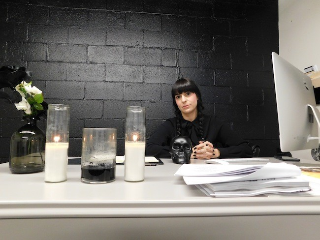 Corri Smith at her desk in Black Wednesday. (Photo by Dana Vindigni)
