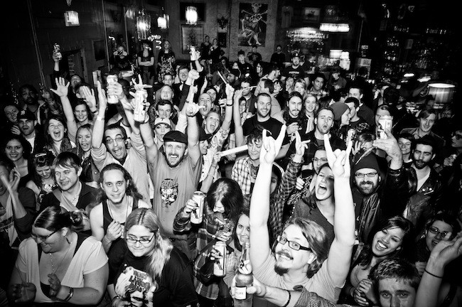 A happy and Snug crowd. (Photo by Justin Driscoll)